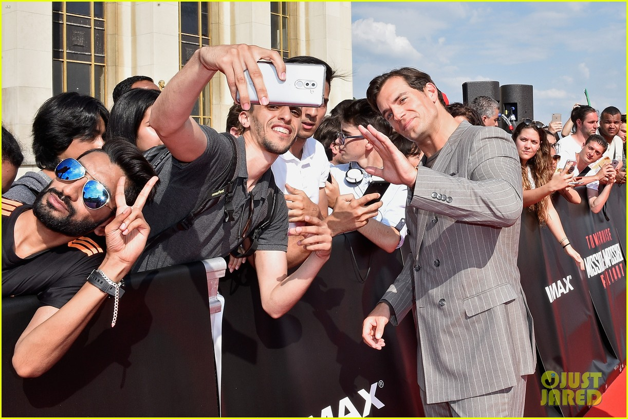 tom cruise henry cavill mission impossible fallout premiere 164113711