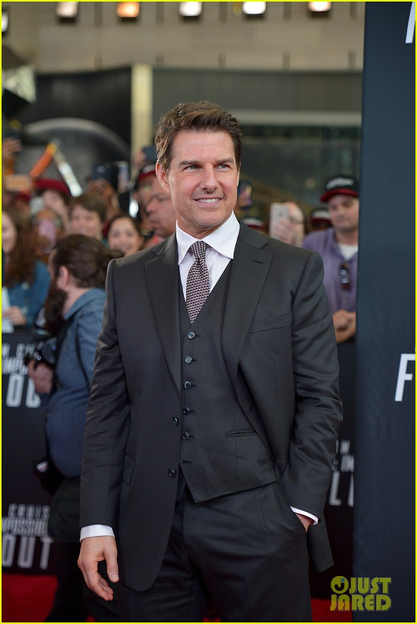tom cruise henry cavill mission impossible dc premiere 084119022
