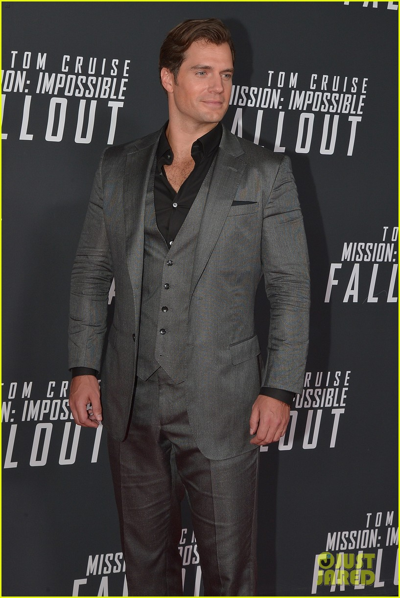 tom cruise henry cavill mission impossible dc premiere 114119025
