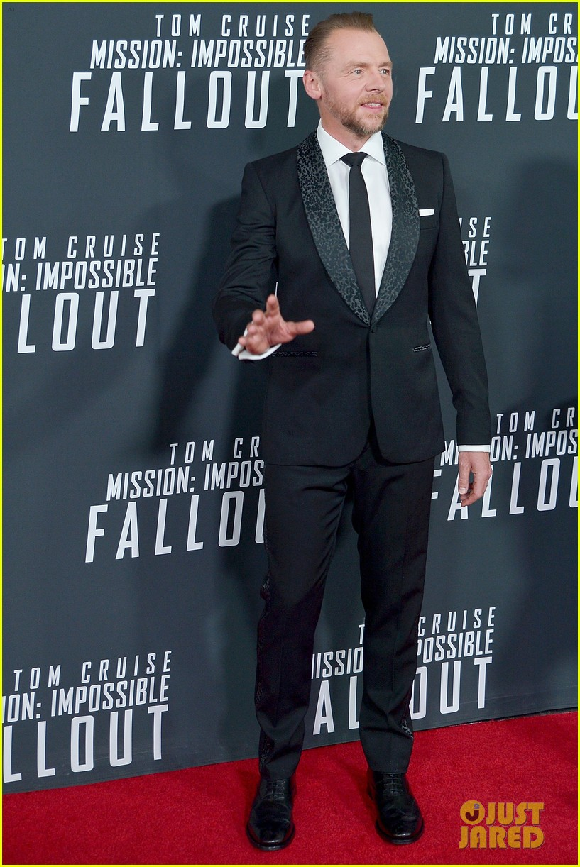tom cruise henry cavill mission impossible dc premiere 284119042