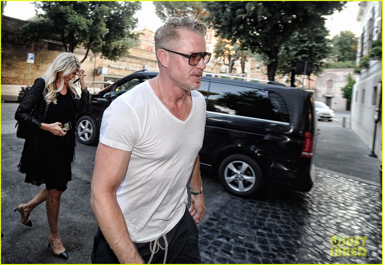 eric dane white t shirt 07
