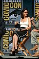 johnny depp fantastic beasts cast comic con 02