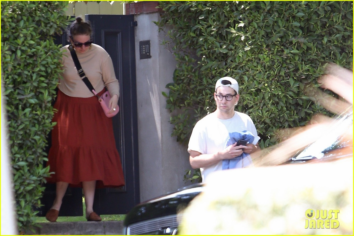 lena dunham spends afternoon ex boyfriend jack antonoff 094113671
