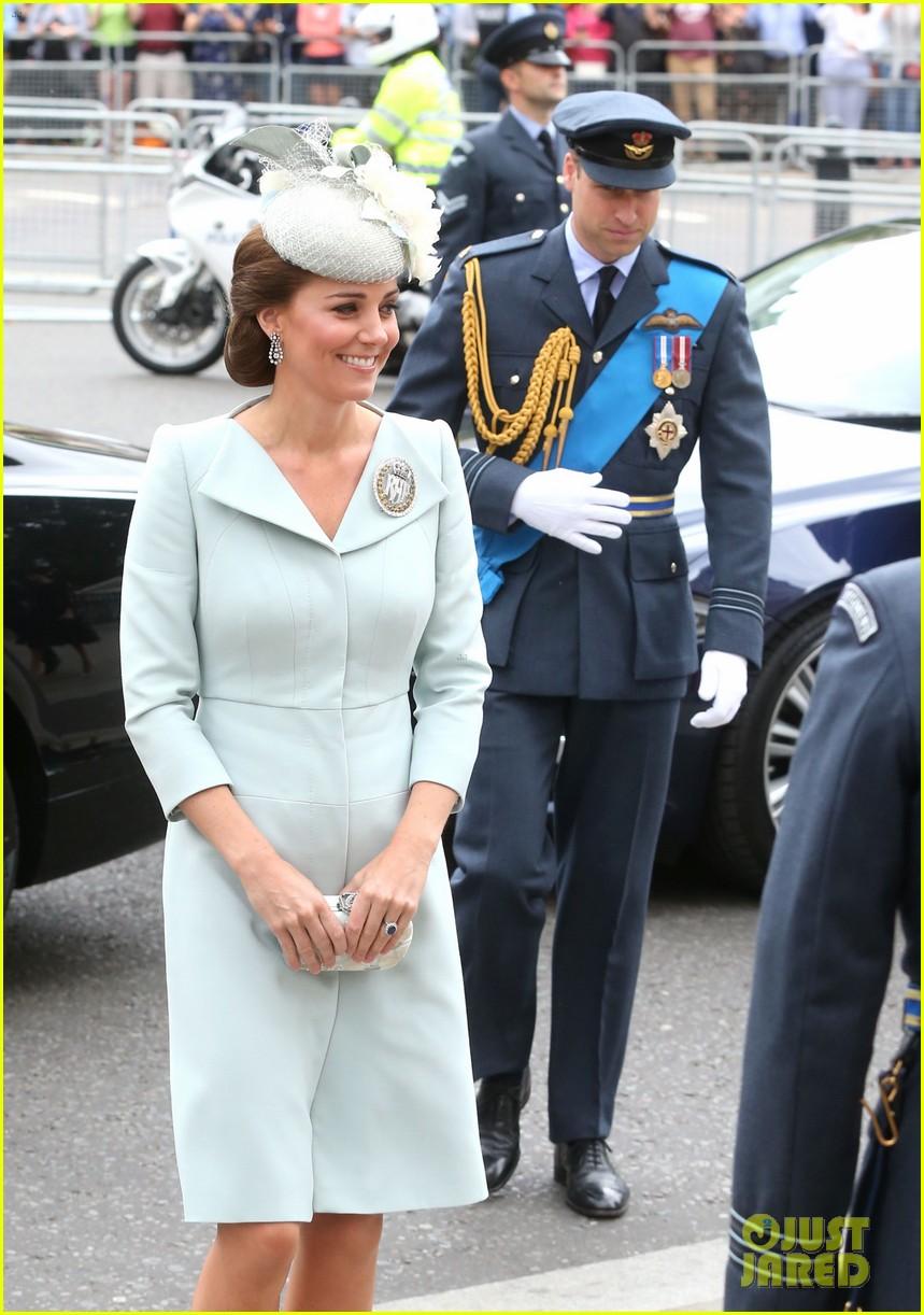 royal family royal airforce birthday 044112251