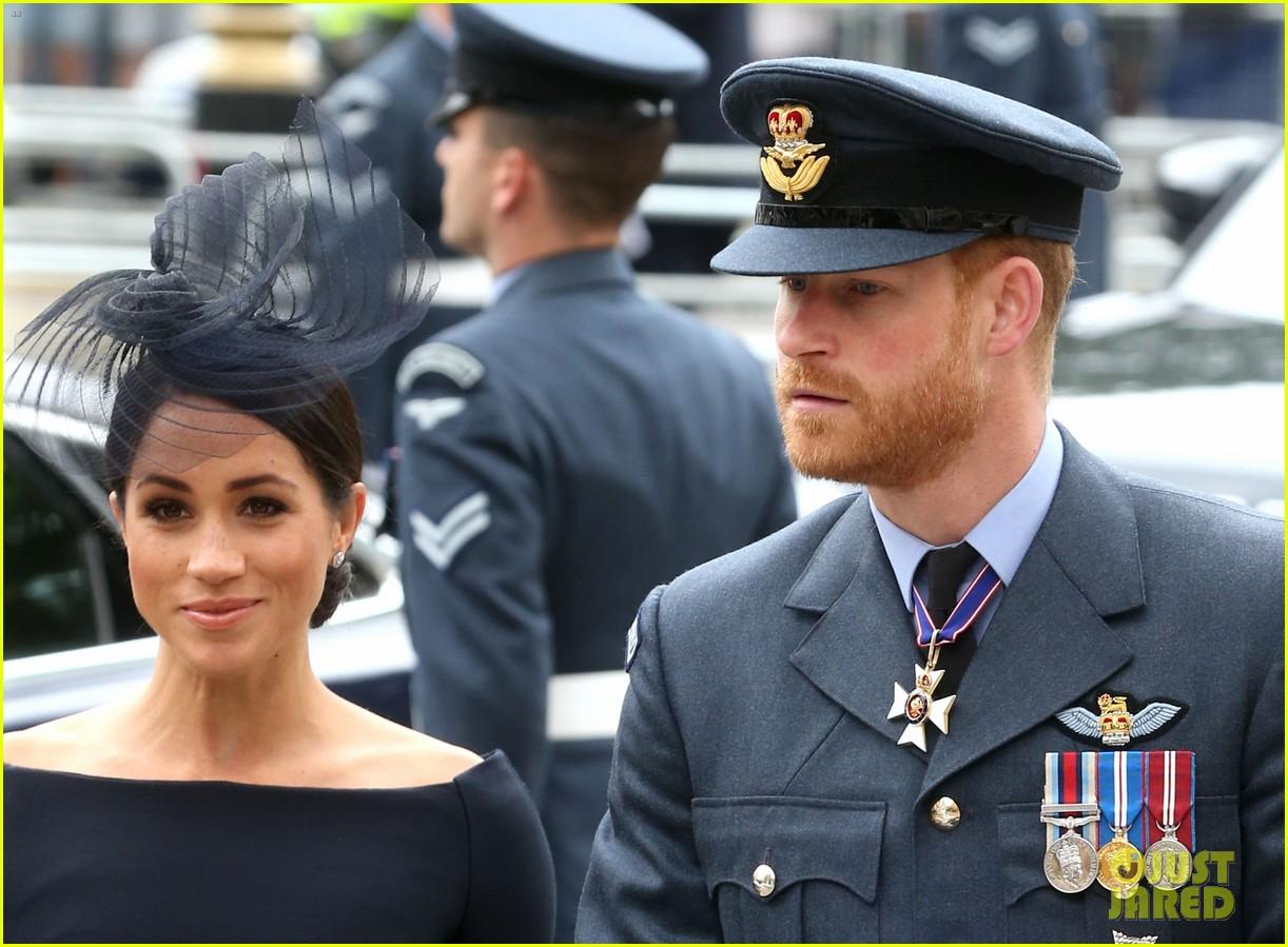royal family royal airforce birthday 094112256
