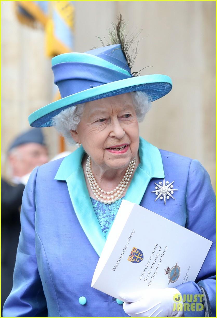 royal family royal airforce birthday 124112259
