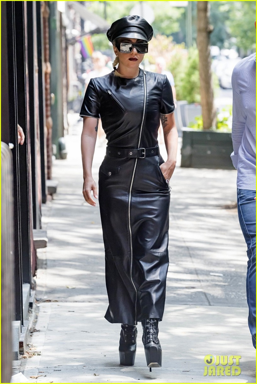 lady gaga leather july 2018 014112981