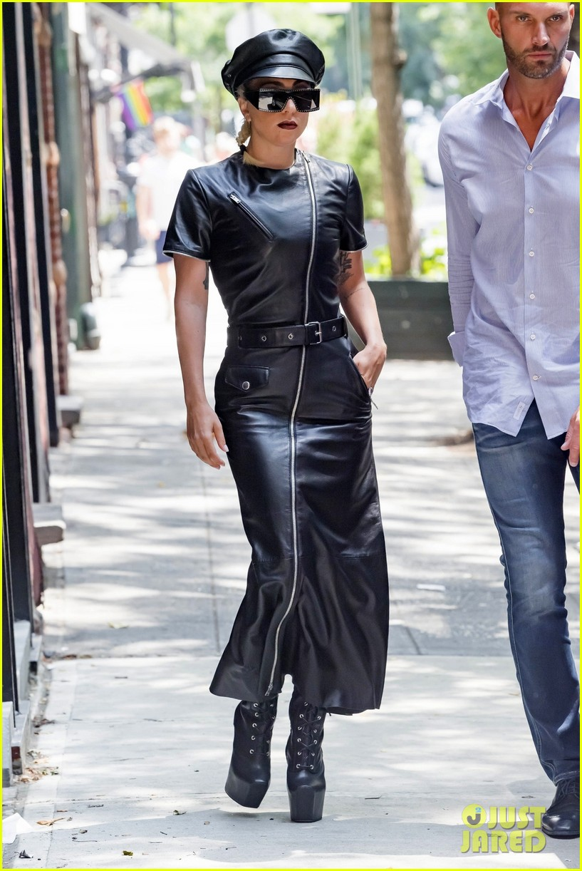 lady gaga leather july 2018 044112984