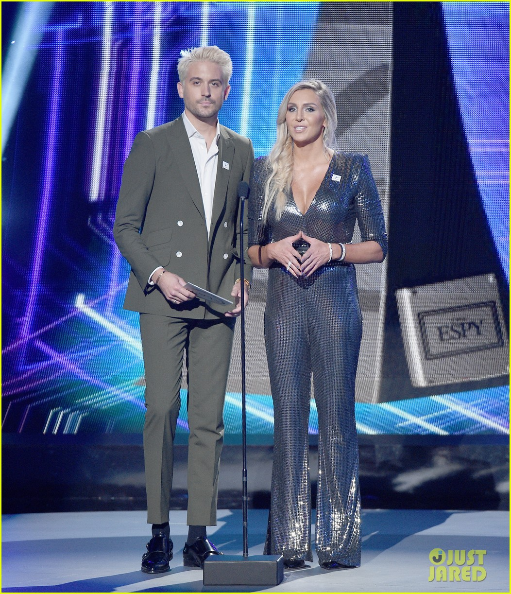 G Eazy Debuts New Blonde Hairstyle At Espys 2018 Photo 4116406