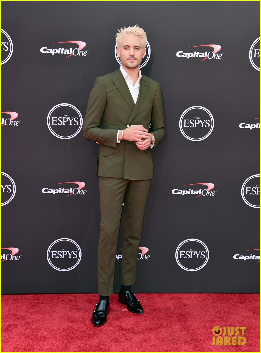 G Eazy Debuts New Blonde Hairstyle At Espys 2018 Photo 4116409