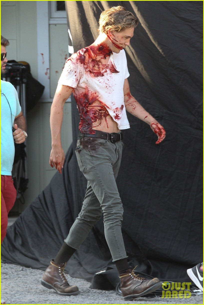 selena gomez austin butler zombie movie 354113867