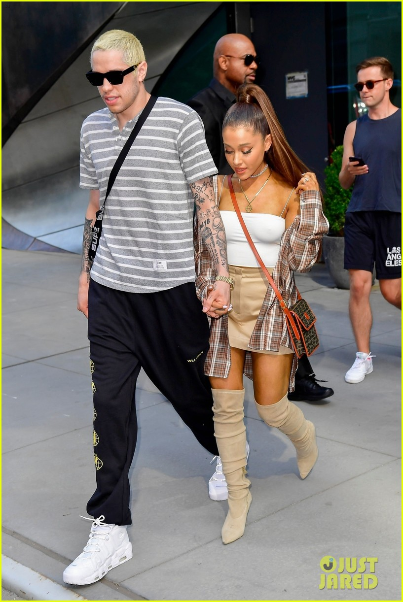 ariana grande pete davidson look so happy together 174115417