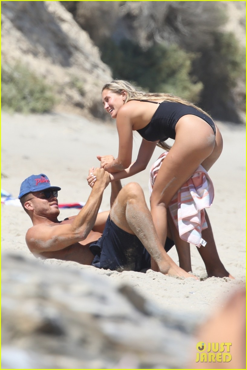 blake griffin girlfriend malibu beach day 014119129