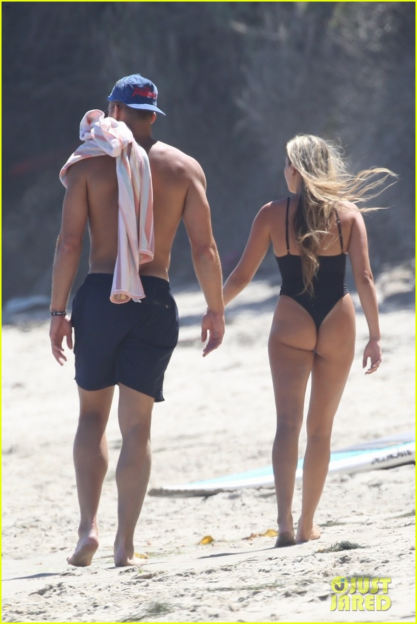 blake griffin girlfriend malibu beach day 024119130