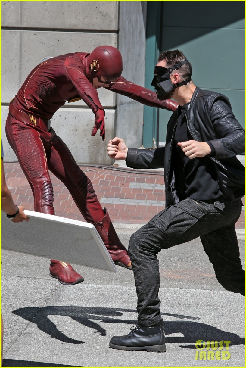 grant gustin suits up on the flash set in vancouver 024116052