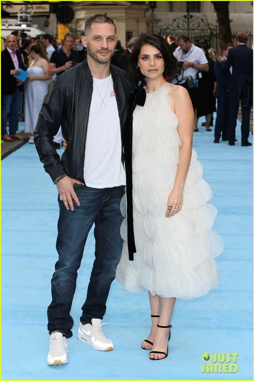 tom hardy charlotte riley swimming with men premiere 204110764