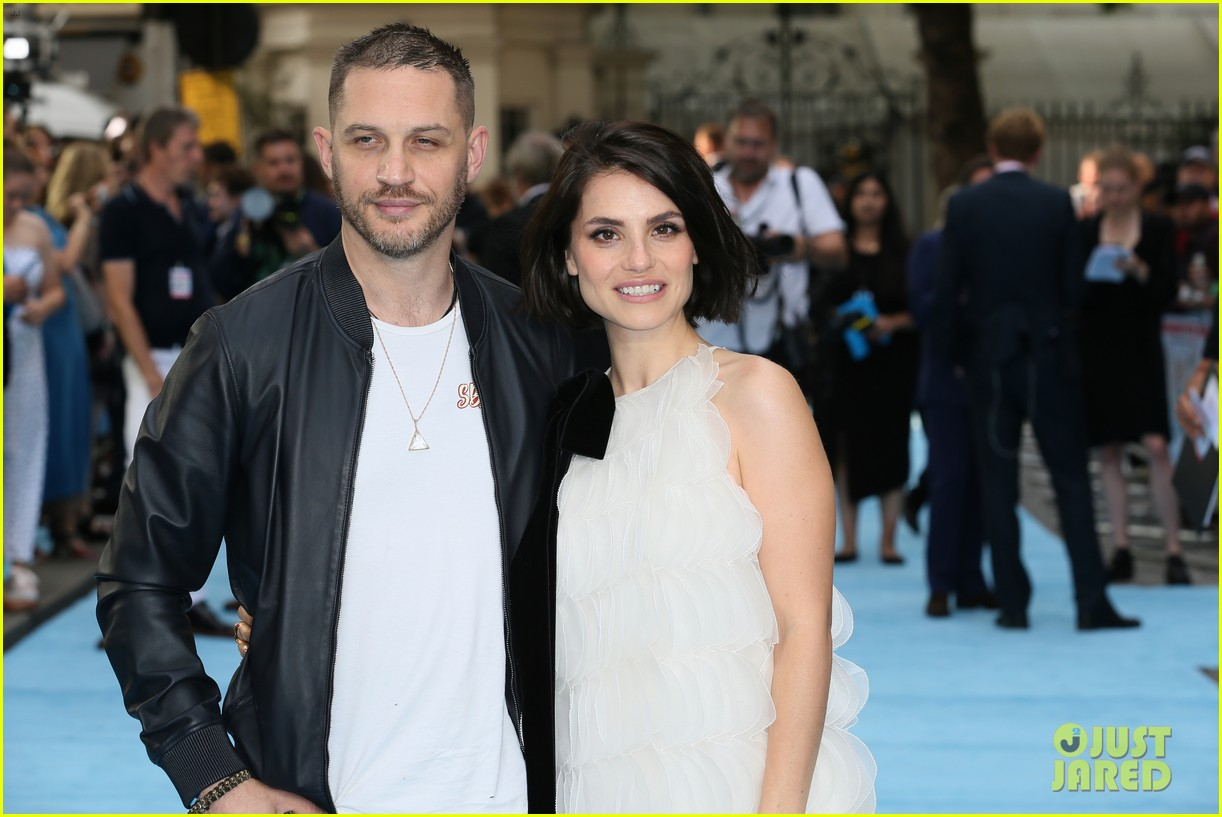 tom hardy charlotte riley swimming with men premiere 224110766