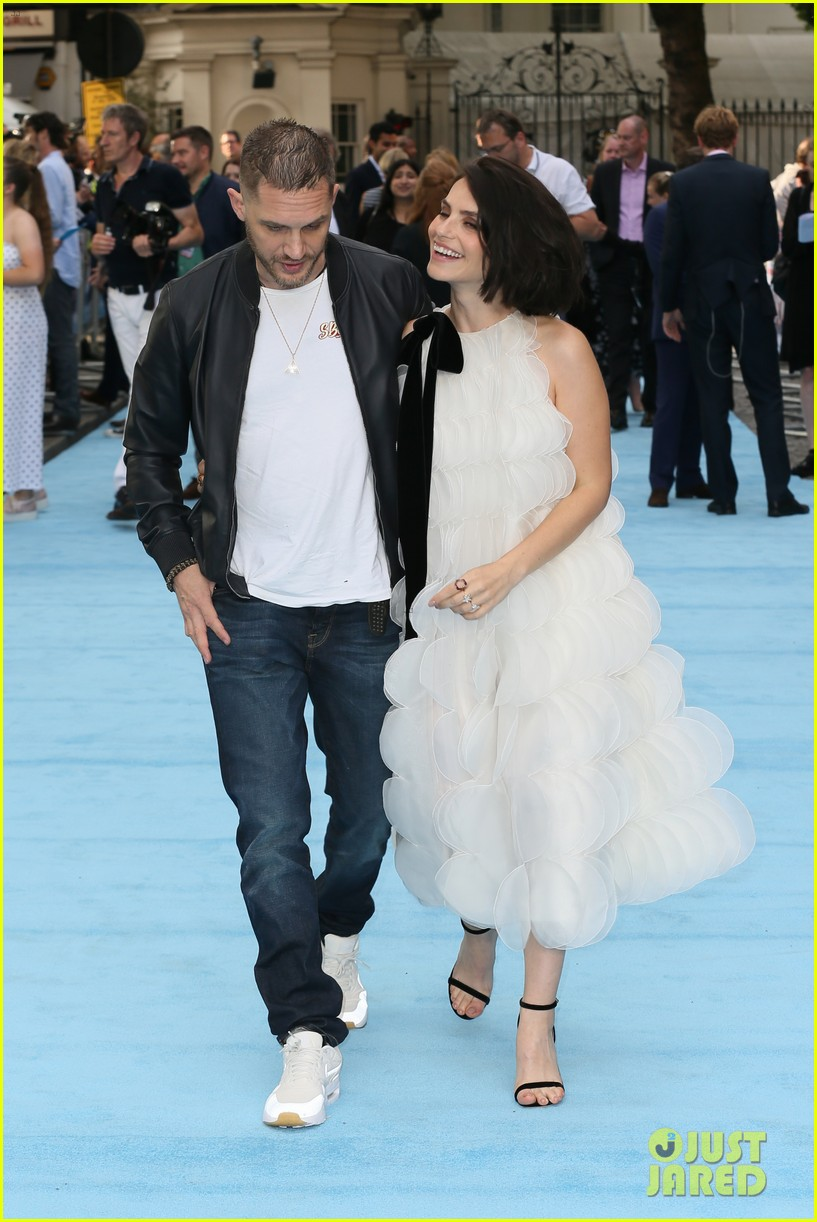 tom hardy charlotte riley swimming with men premiere 234110767