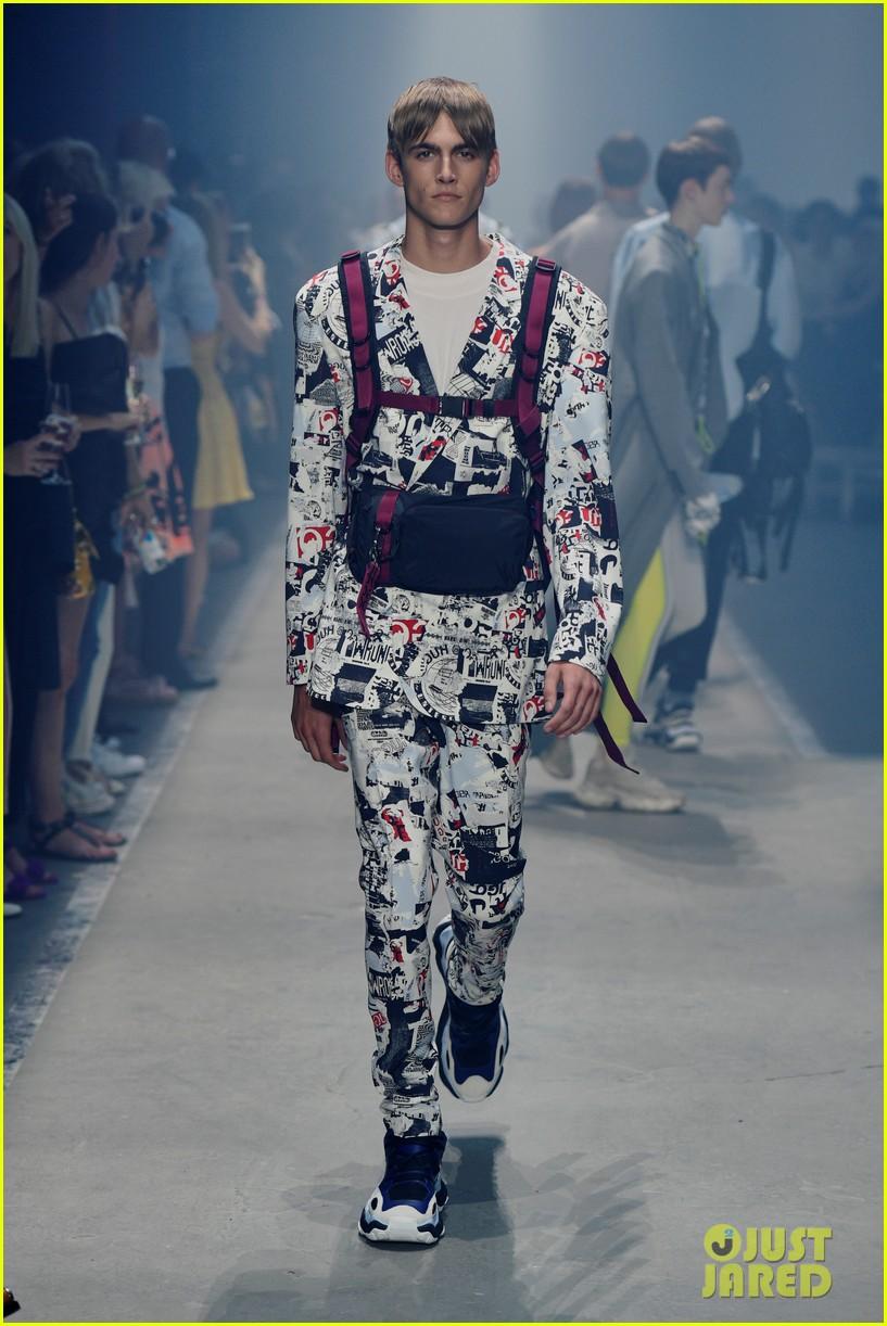 wiz khalifa winnie harlow buddy up at hugo springsummer fashion show 274111299