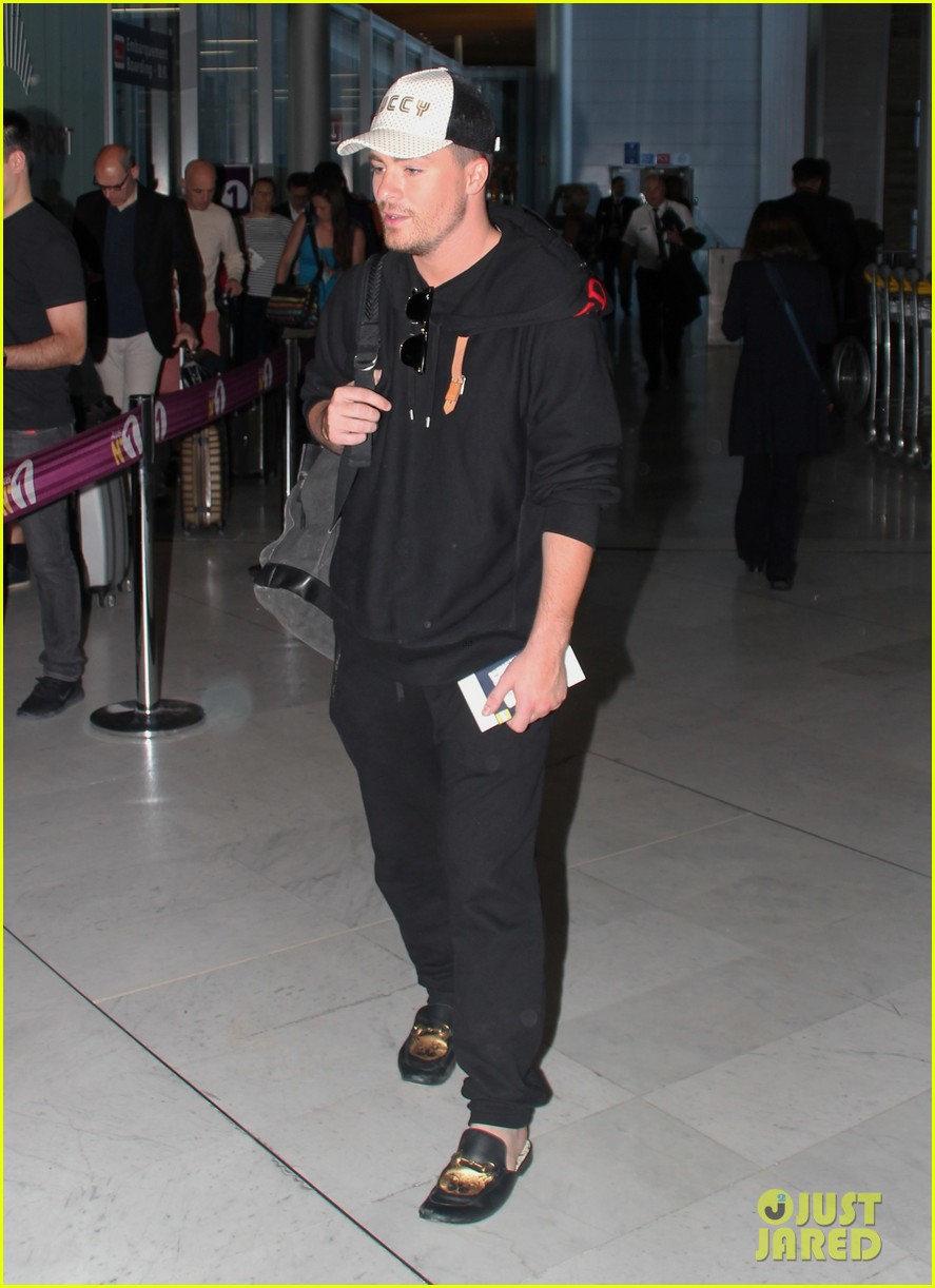 colton haynes travels from paris to vancouver for arrow filming2 024112185