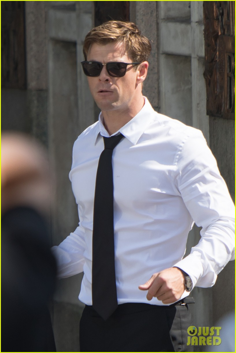 Chris Hemsworth Begins... Jennifer Lawrence Agent Contact