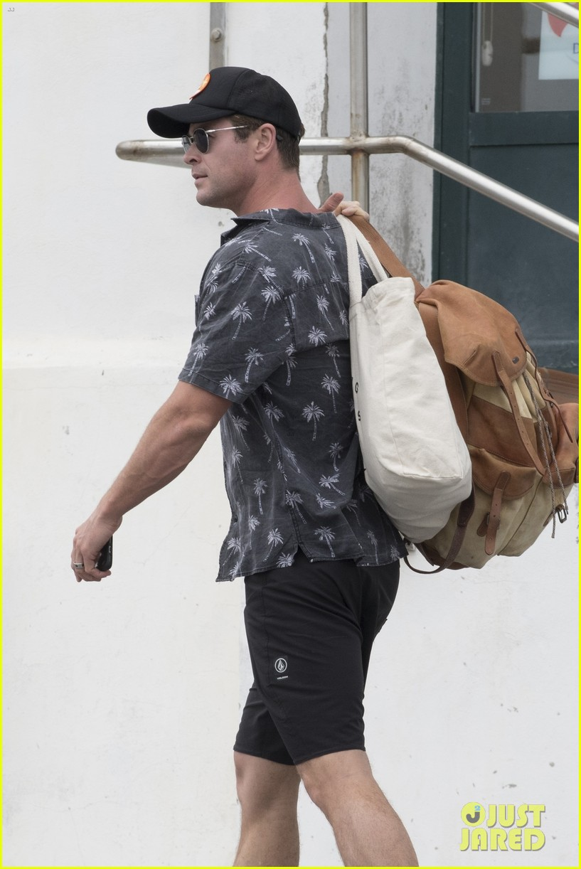 chris hemsworth matt damon vacation in spain 384116870