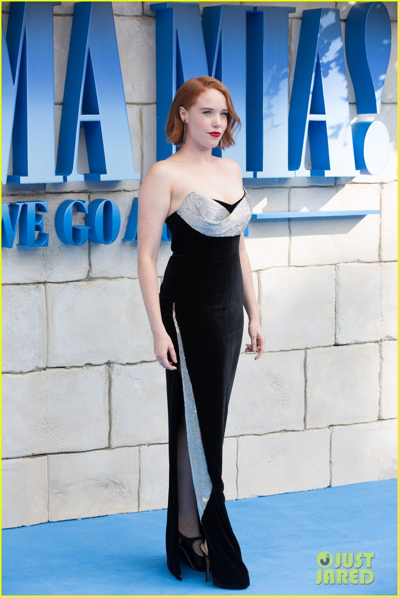 amanda seyfried lily james world premiere mamma mia here we go again in london 334115249