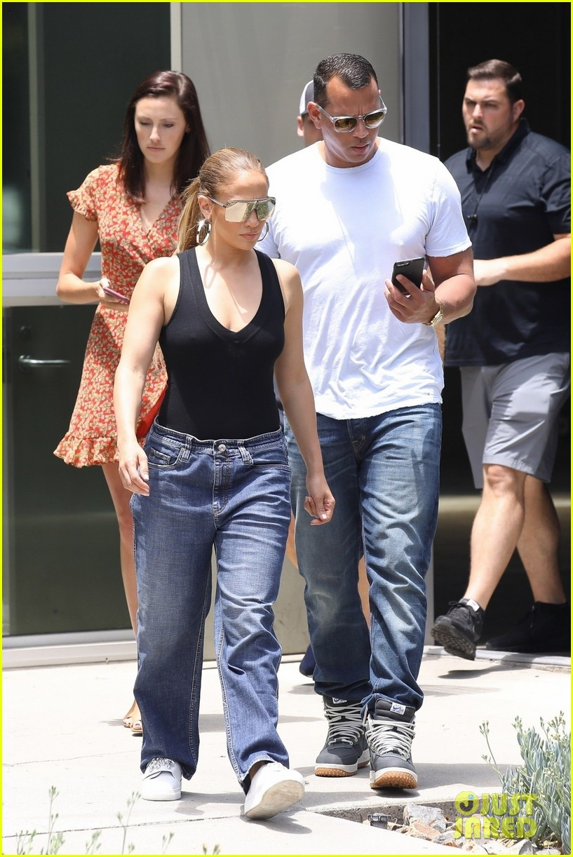 jennifer lopez alex rodriguez check out office spaces in la 034112775