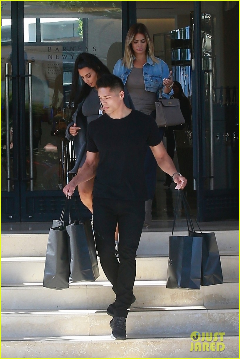 kim kardashian barneys july 2018 054109829