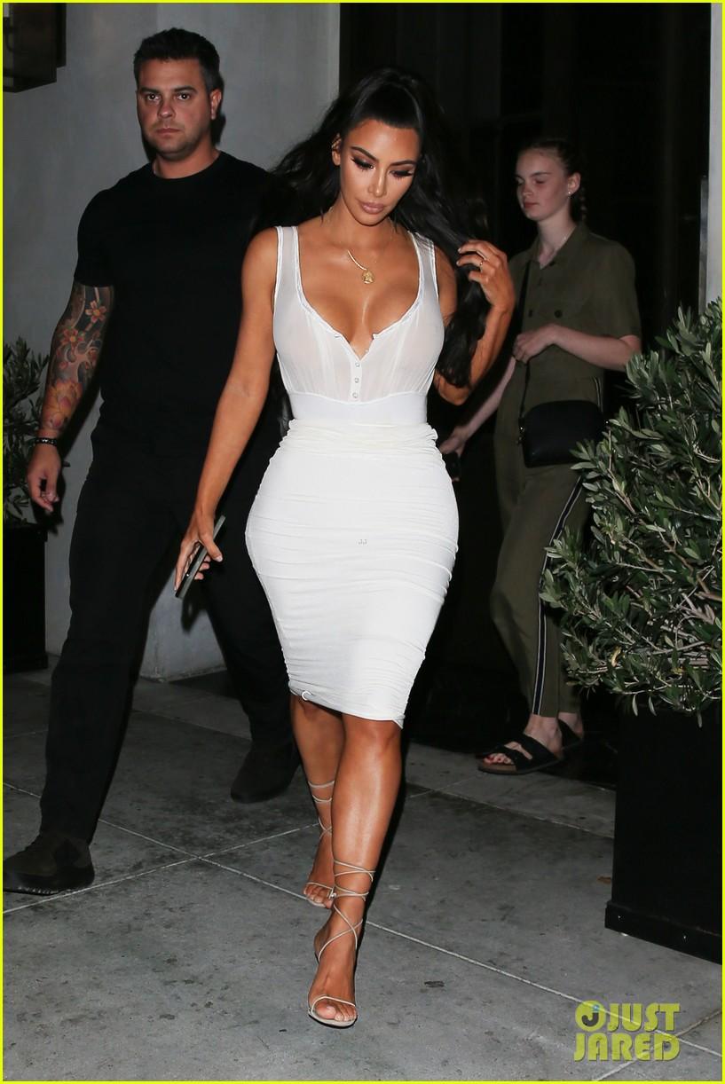 kim kardashian kkw fan event 034109703