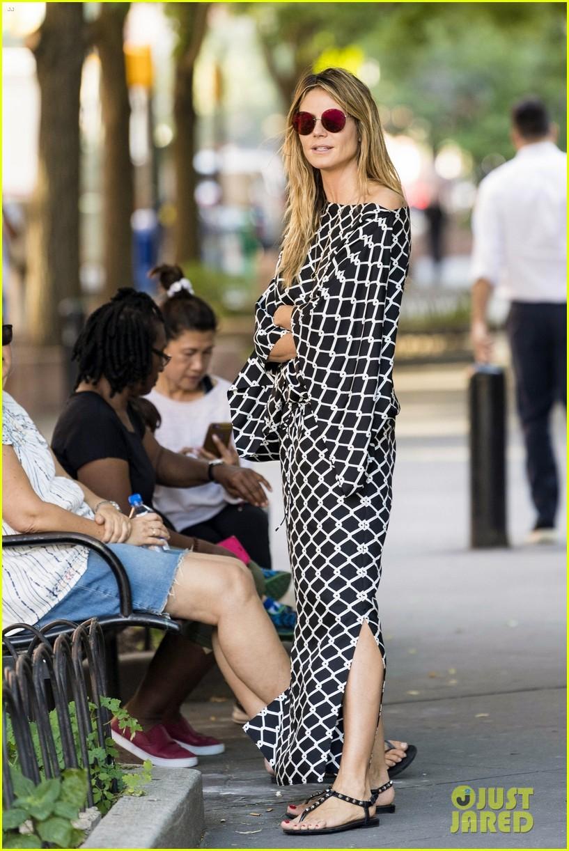 Heidi Klums Boyfriend Tom Kaulitz Joins Her To Pick Up