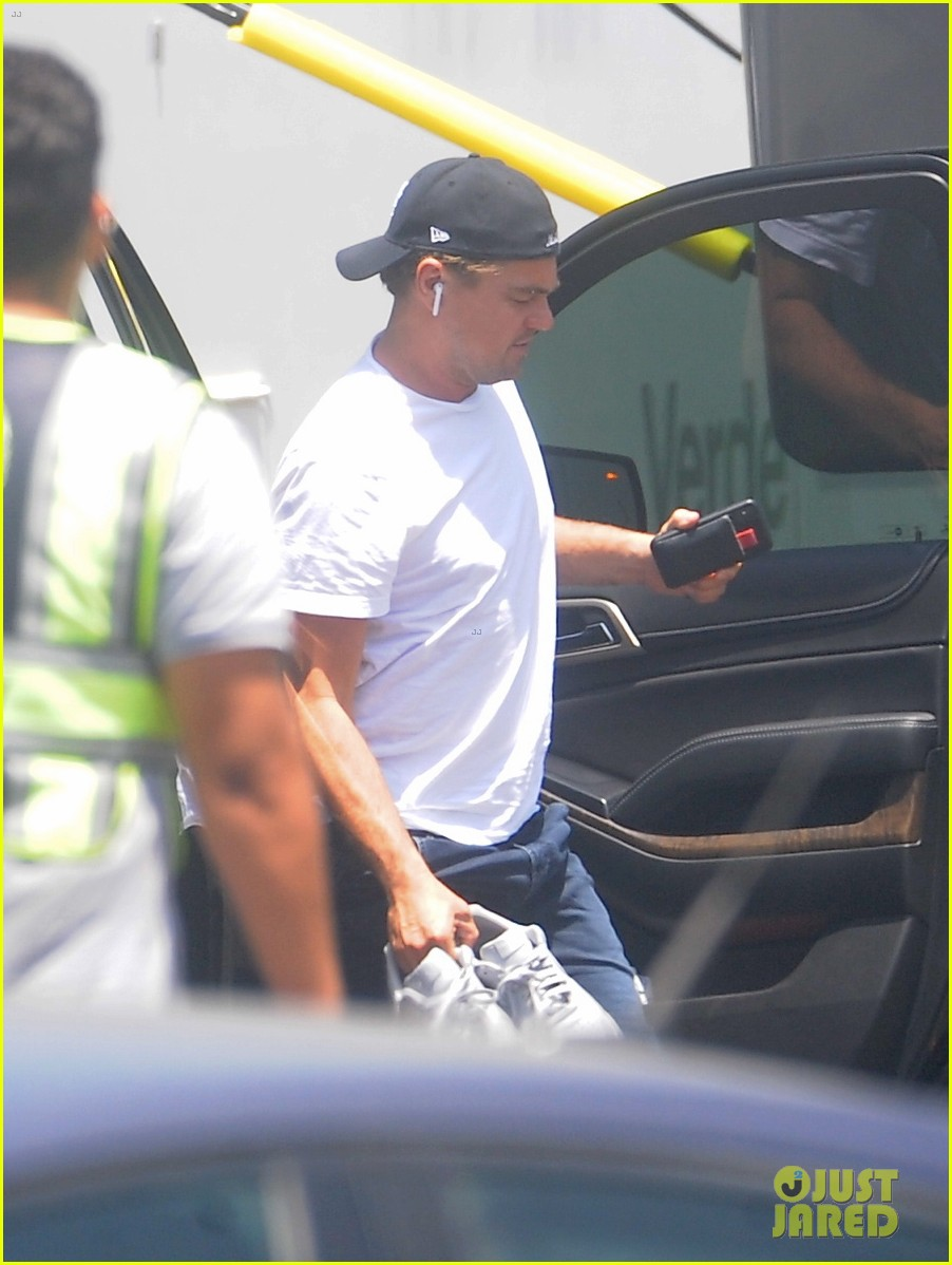leonardo dicaprio once upon a time in hollywood set 2018 024121579