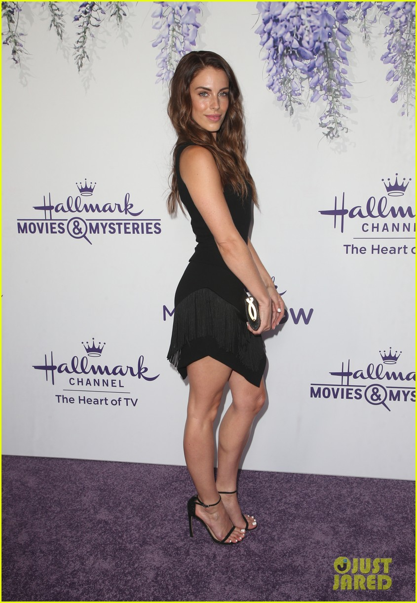 bailee madison becca tobin rachael leigh cook step out for 414121754