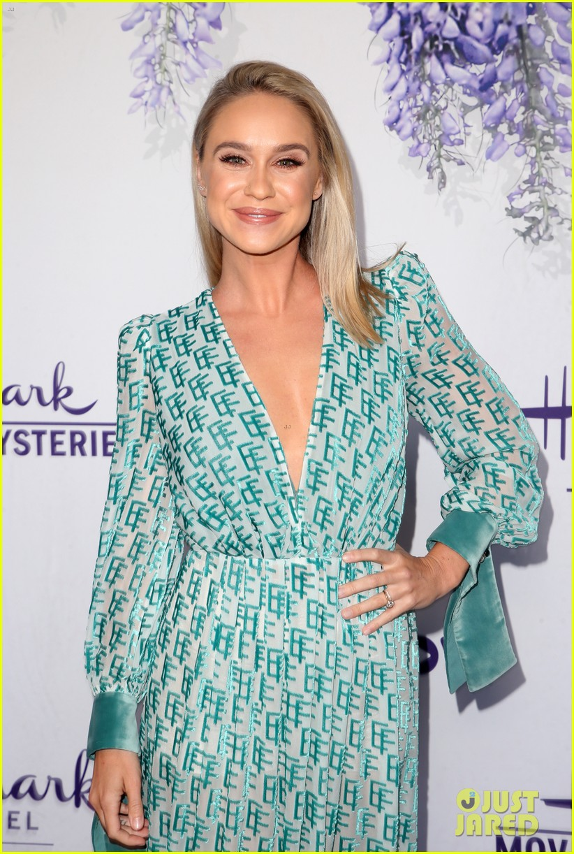 bailee madison becca tobin rachael leigh cook step out for 784121791