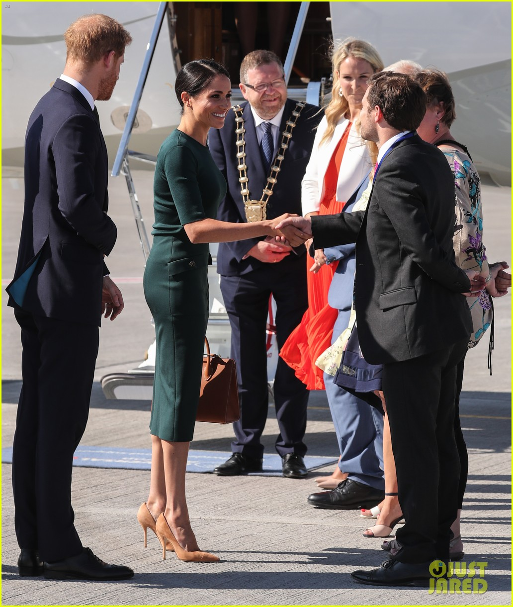 Duchess Meghan Markle Does An Outfit Change For Her Royal