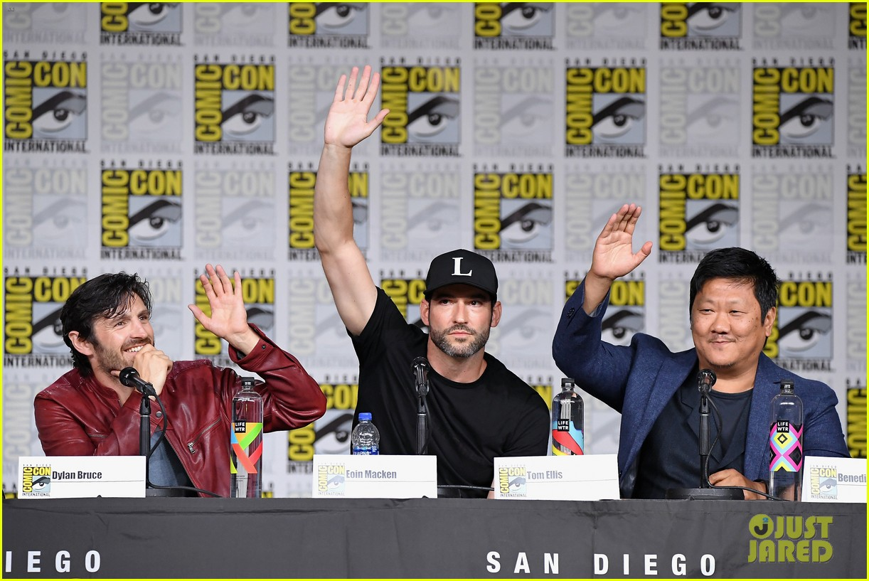 stephen moyer dylan bruce brave warriors comic con 134118132