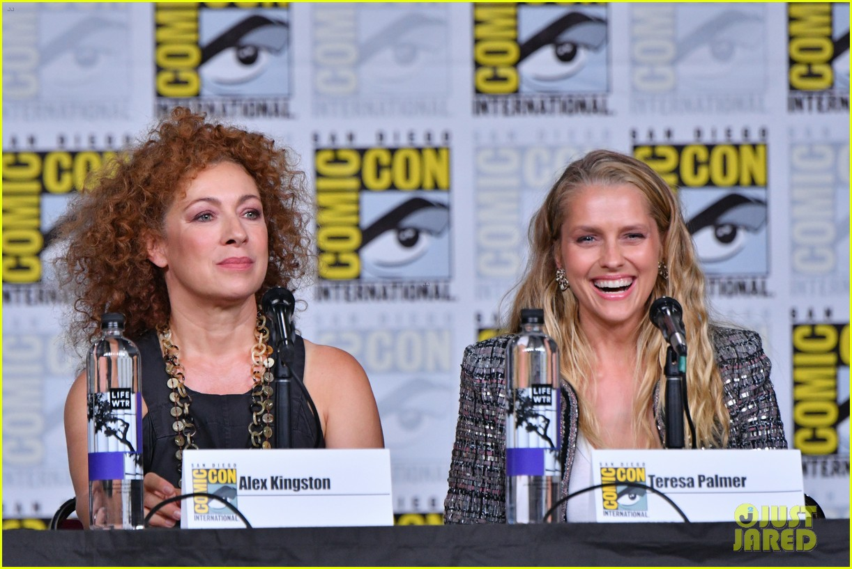 teresa palmer announces discovery of witches will stream at sundance now 02