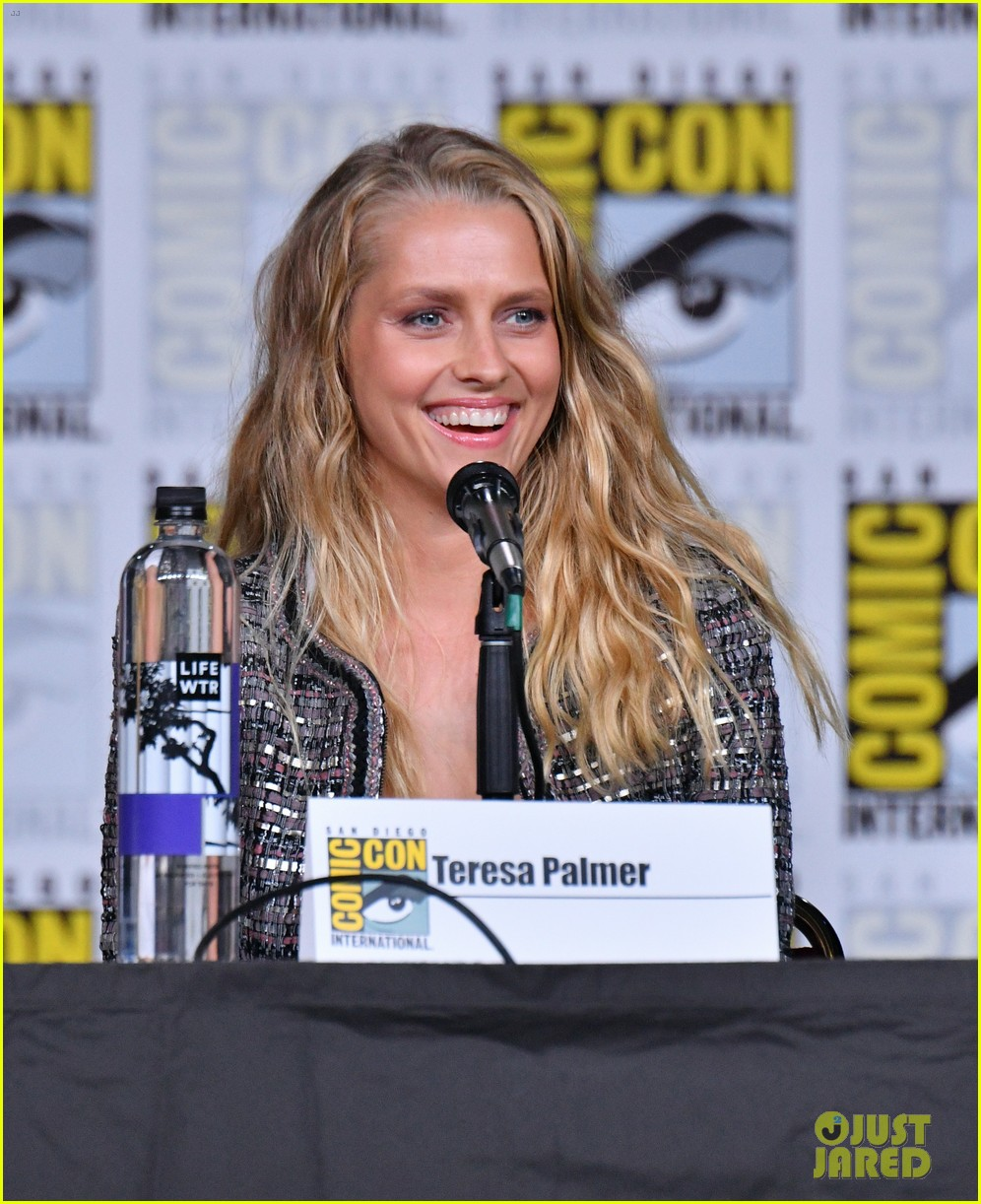 teresa palmer announces discovery of witches will stream at sundance now 12