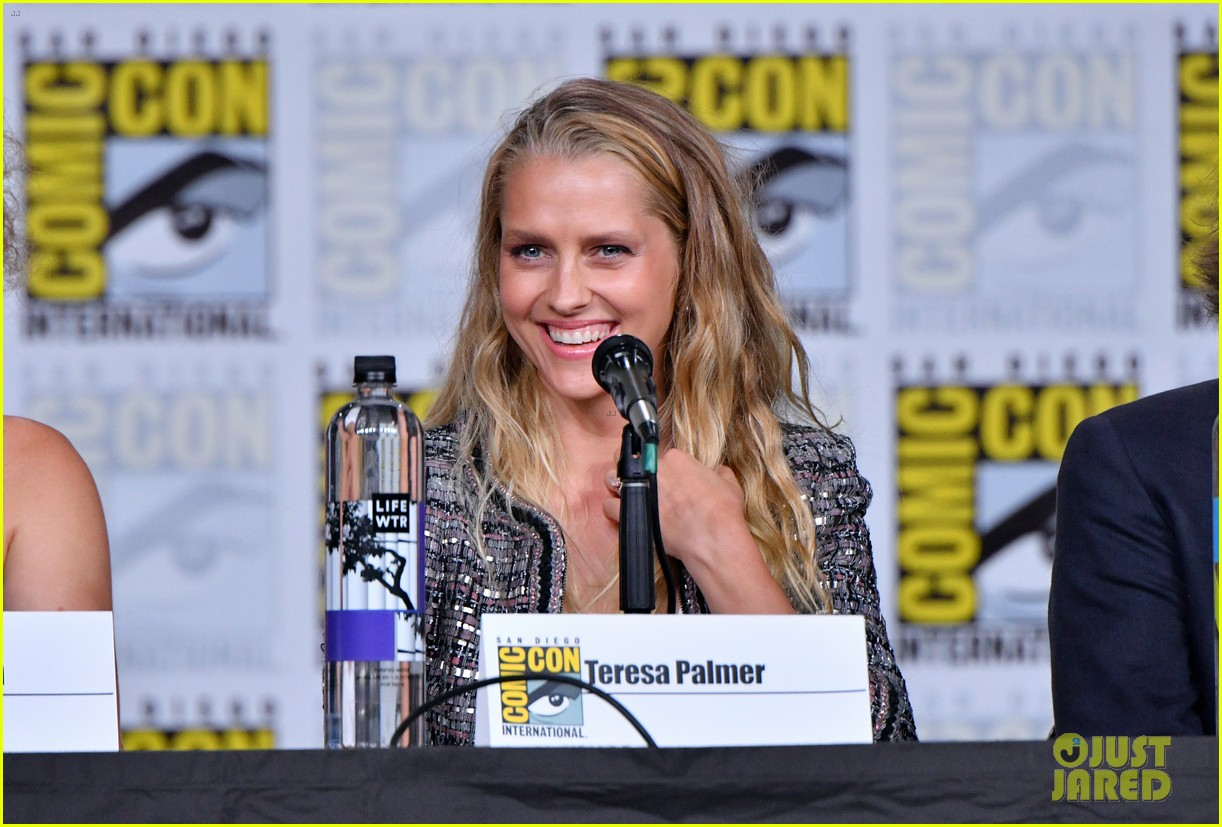 teresa palmer announces discovery of witches will stream at sundance now 13