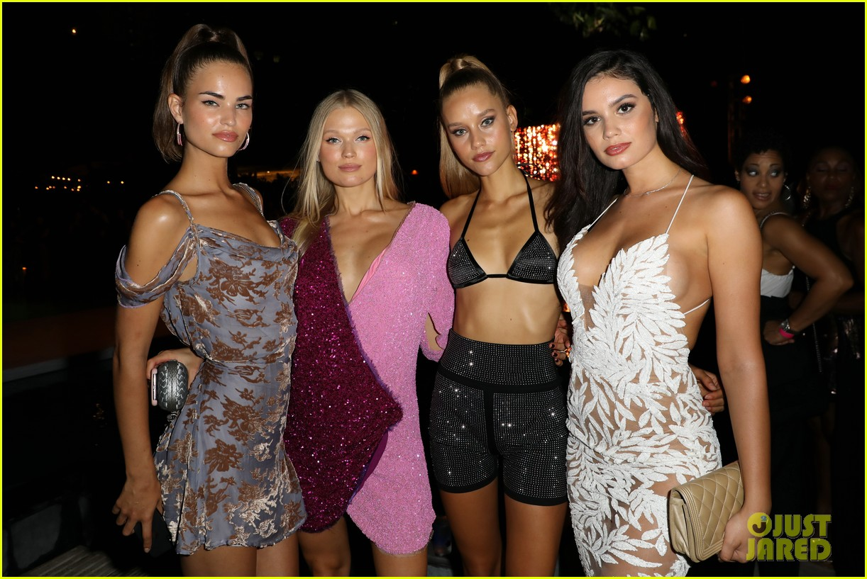 ryan phillippe olivia culpo christie brinkley celebrate bodies with sports illustrated 164115188