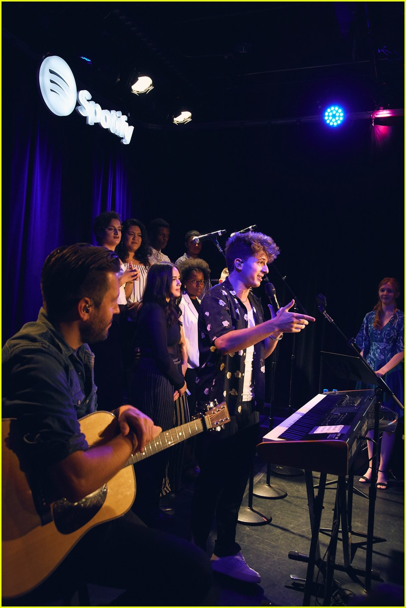 charlie puth returns to his college for spotify voicenotes event 054114141