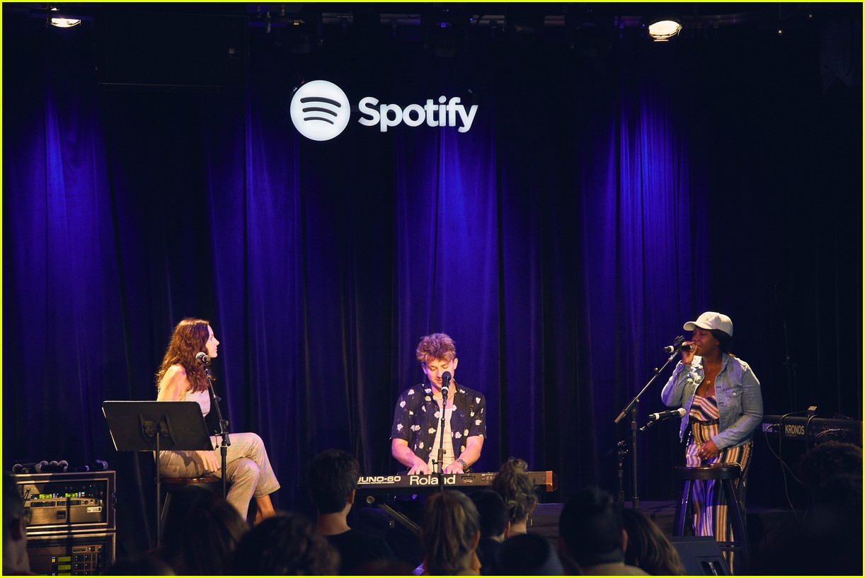 charlie puth returns to his college for spotify voicenotes event 124114148