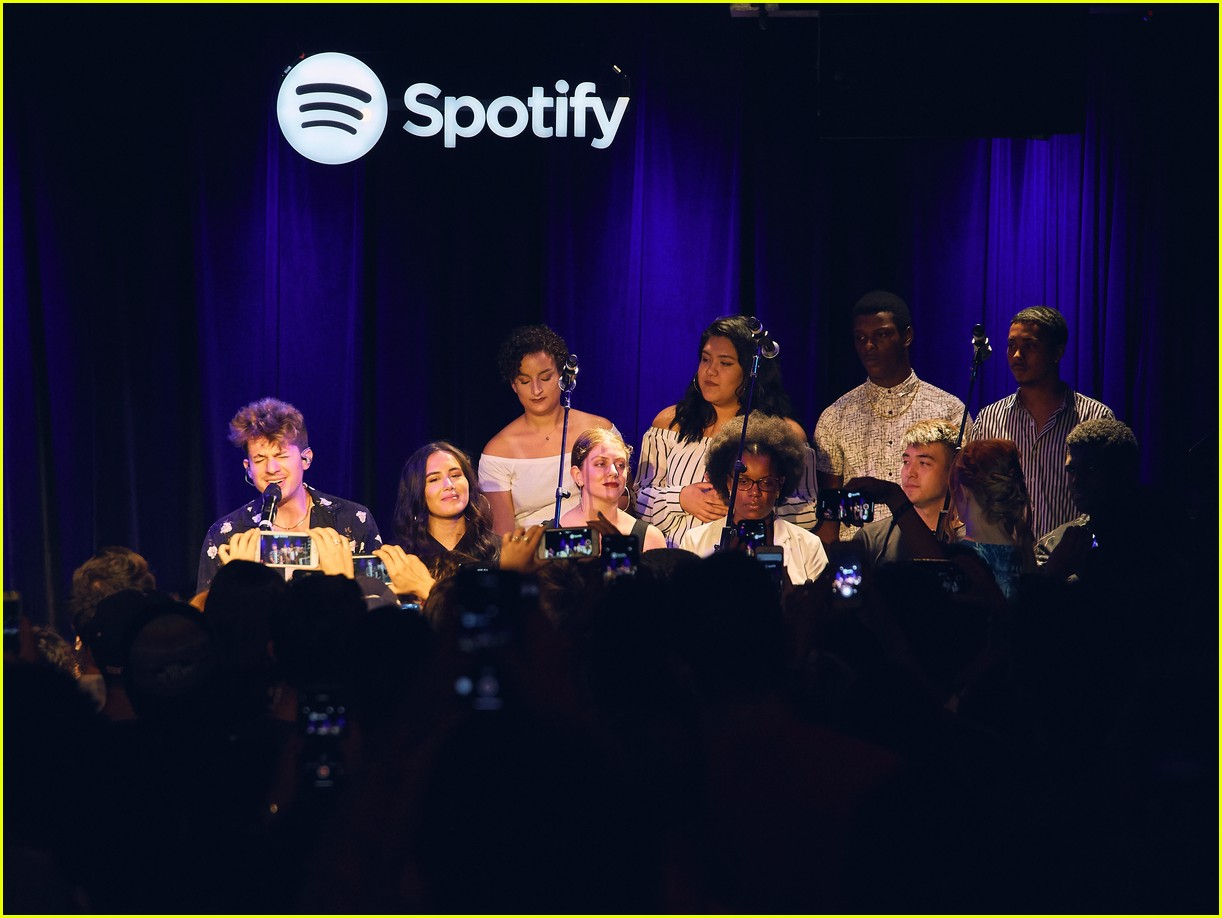 charlie puth returns to his college for spotify voicenotes event 184114154