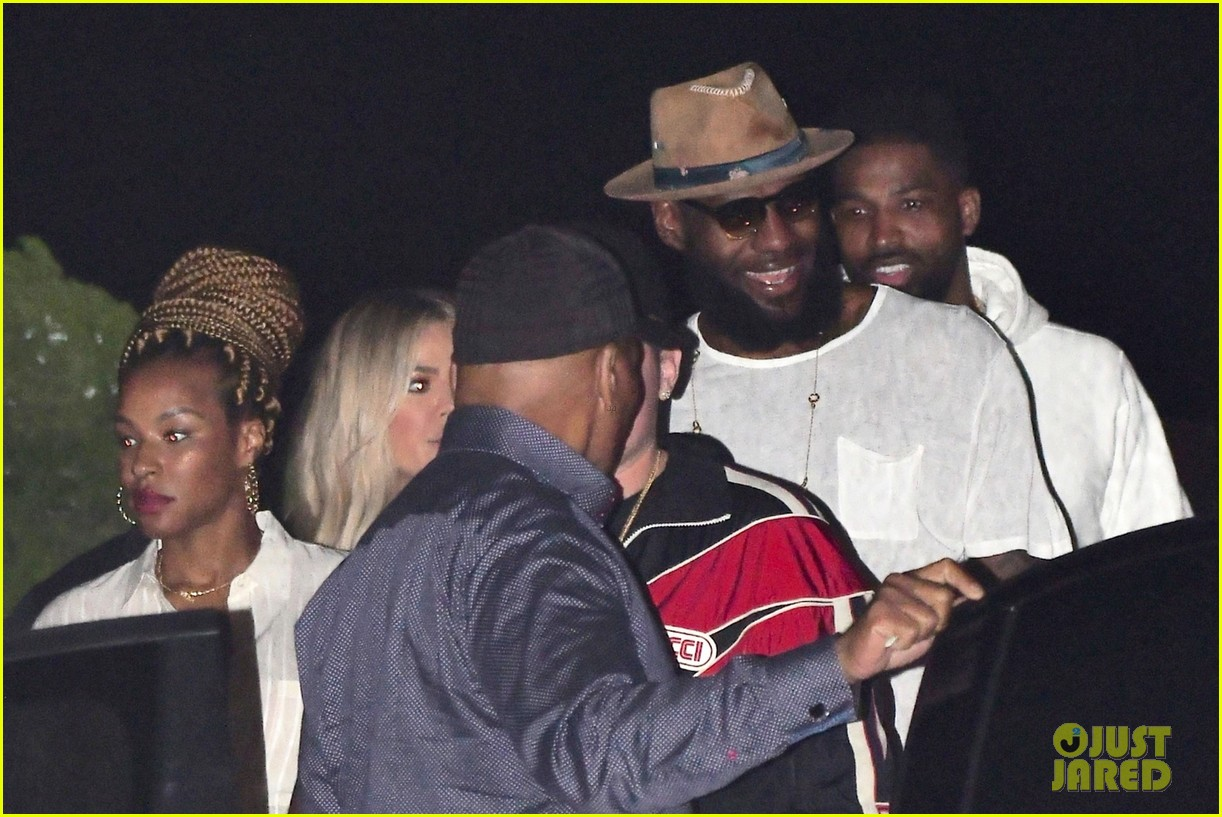 khloe kardashian d tristan thompson and lebron james dine out 014112417