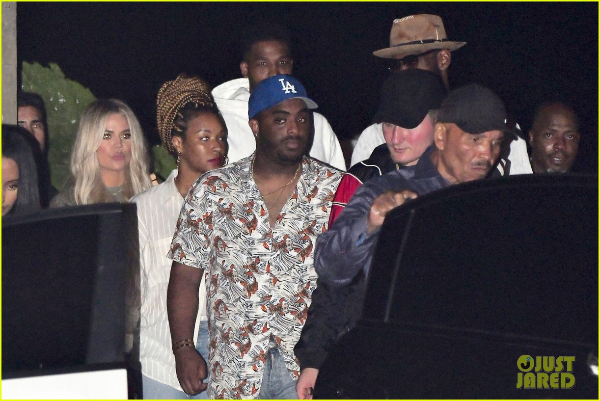 khloe kardashian d tristan thompson and lebron james dine out 024112418