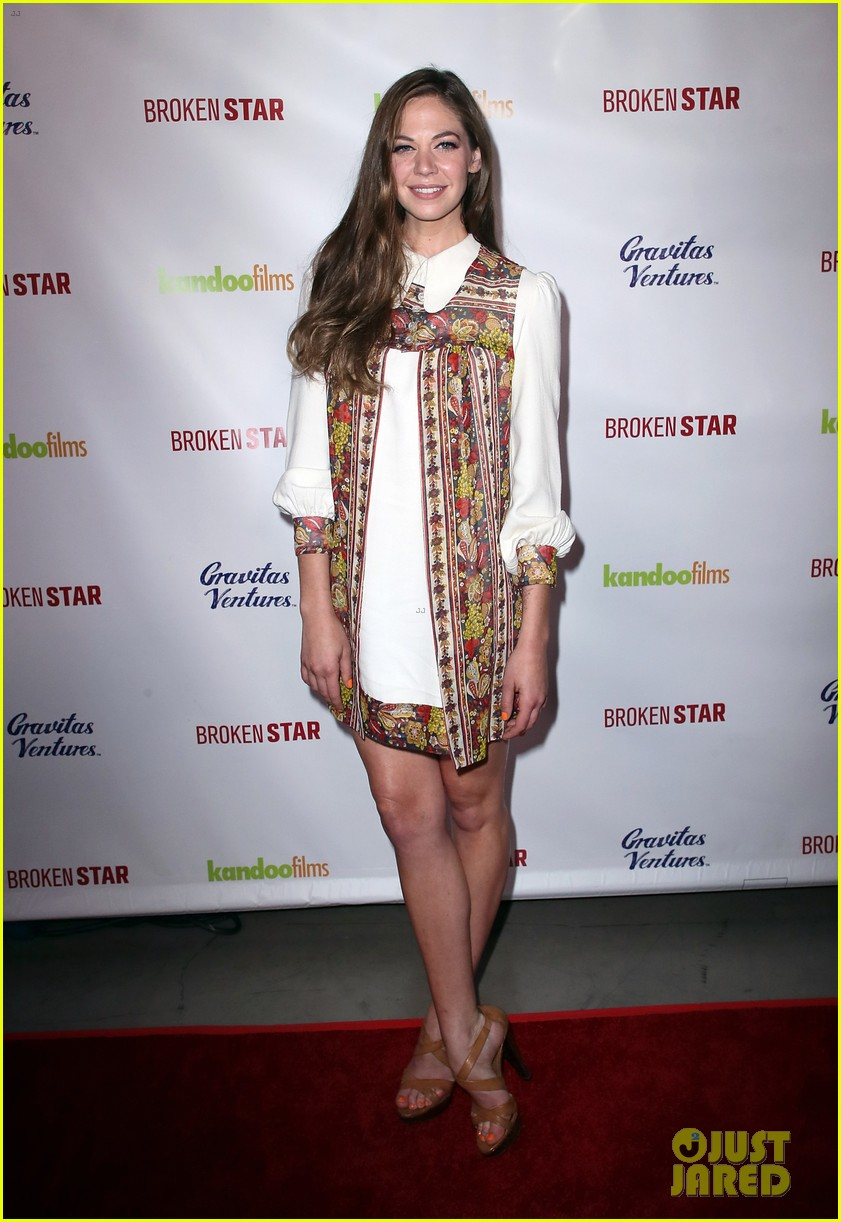 analeigh tipton gets support from jake mcdorman rachael leigh cook at broken star 024116582