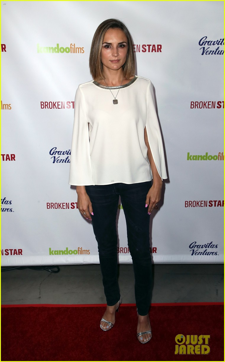 analeigh tipton gets support from jake mcdorman rachael leigh cook at broken star 134116593