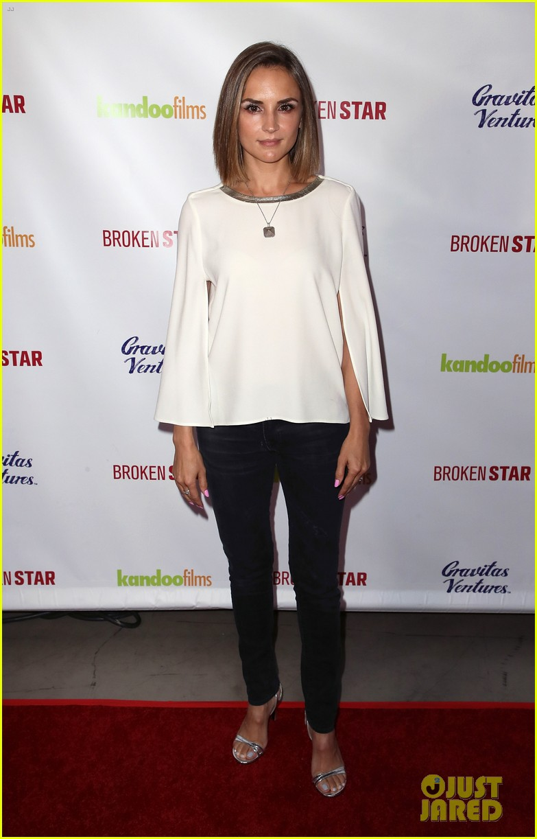 analeigh tipton gets support from jake mcdorman rachael leigh cook at broken star 144116594