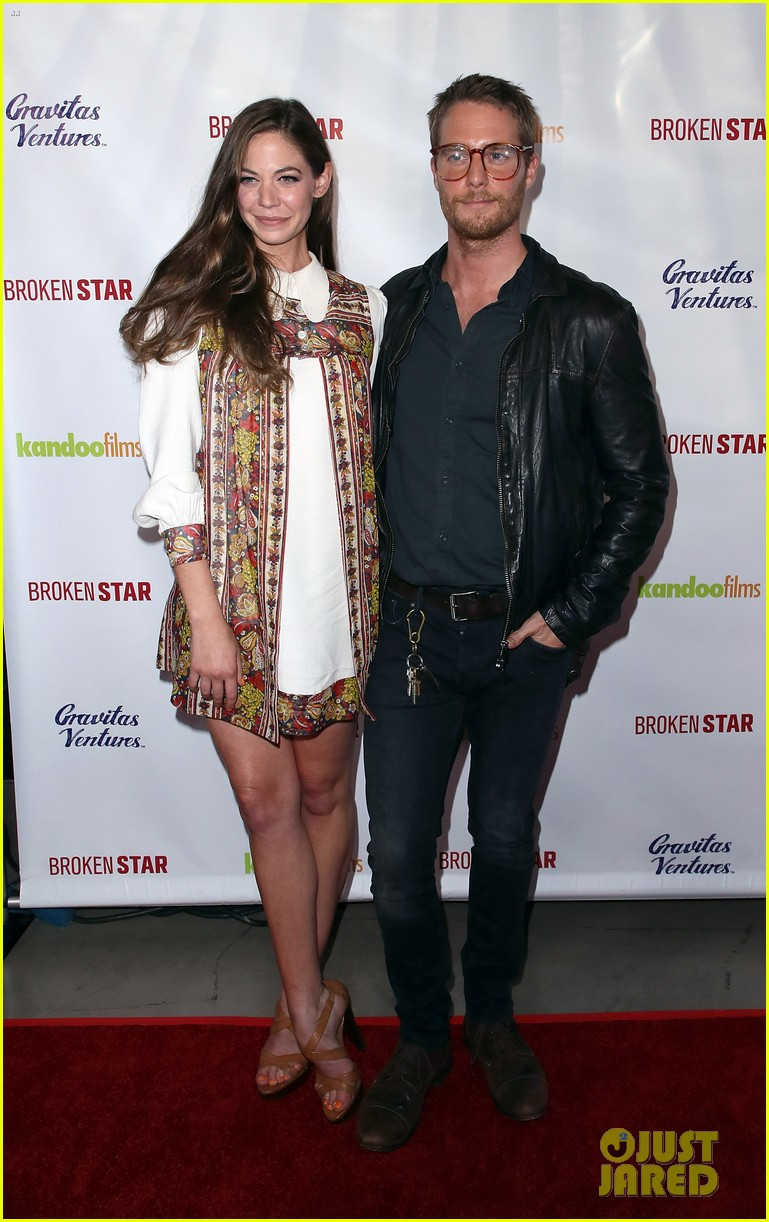 analeigh tipton gets support from jake mcdorman rachael leigh cook at broken star 274116607