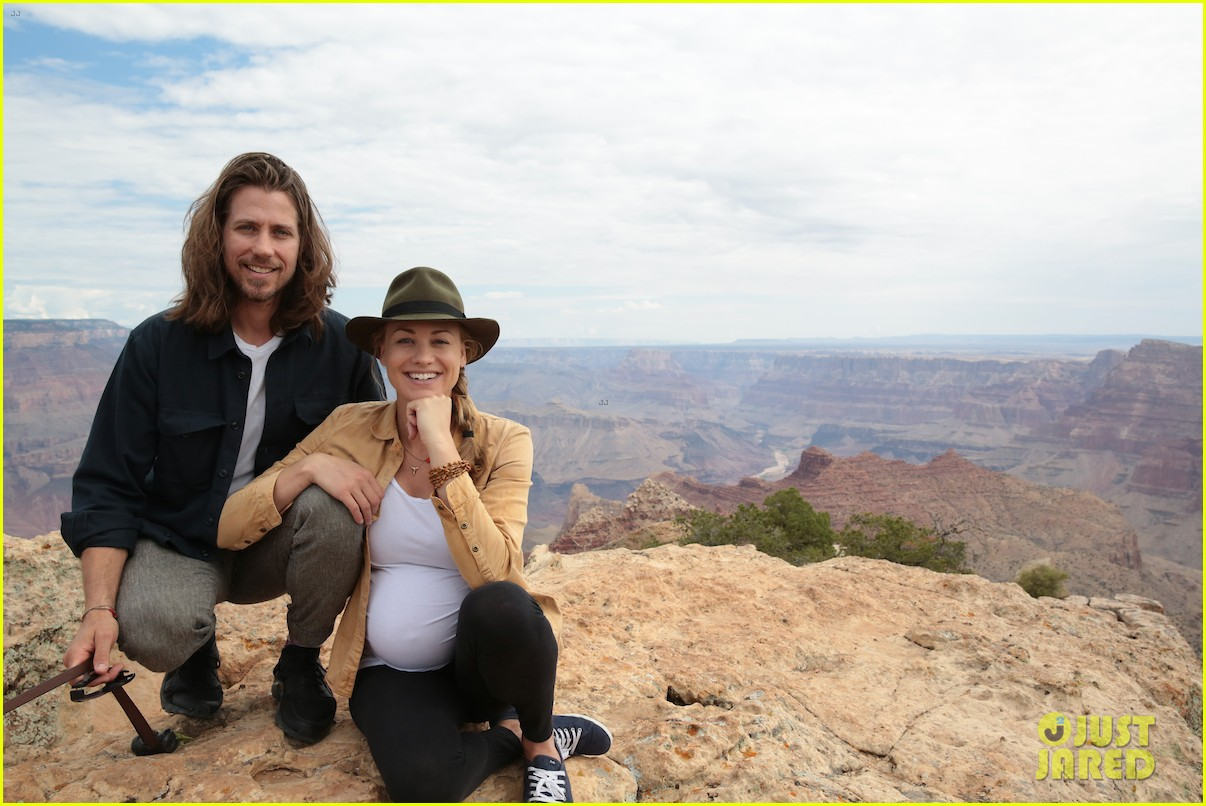Yvonne Strahovski Shows Off Her Baby Bump While Visiting The Grand Canyon Photo 4115581 Pregnant Celebrities Tim Loden Yvonne Strahovski Pictures Just Jared He's an actor and producer in his own right. just jared